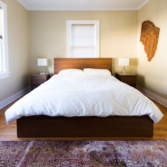 Super comfortable memory foam mattress, Egyptian cotton bedding.