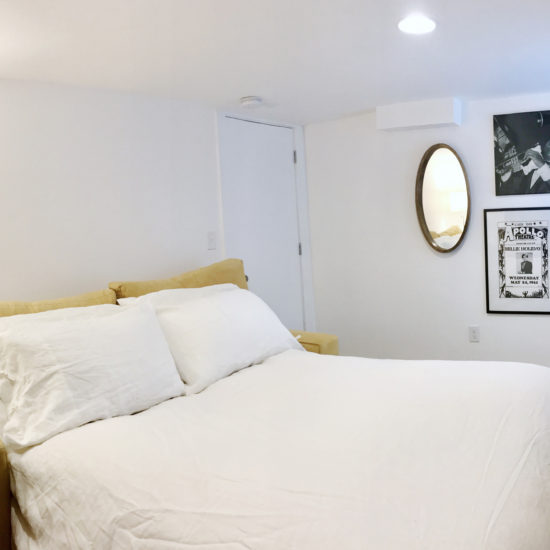 "alt=""picture of the second bedroom office at Chez Sealy PDX's Portland Lounge Pad"""